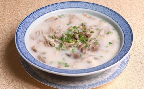 天寒地冻,为你爱的人煲一碗鲜美的羊肉汤吧