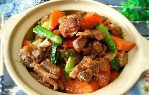 南方人最爱的羊肉做法,咸酱味浓郁,肉质软烂,出锅肚子都饿了