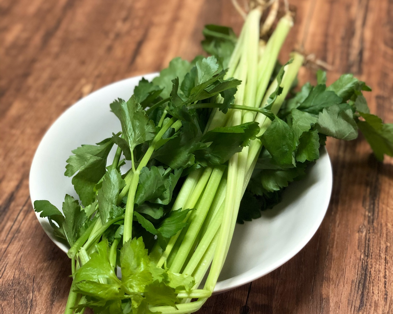 米饭杀手|芹菜粒炒牛肉末的做法 步骤4