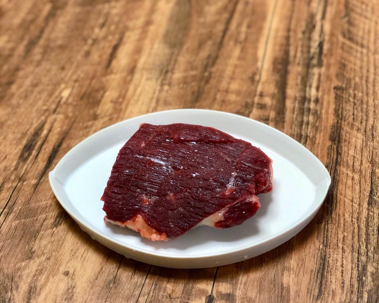 米饭杀手|芹菜粒炒牛肉末的做法 步骤1