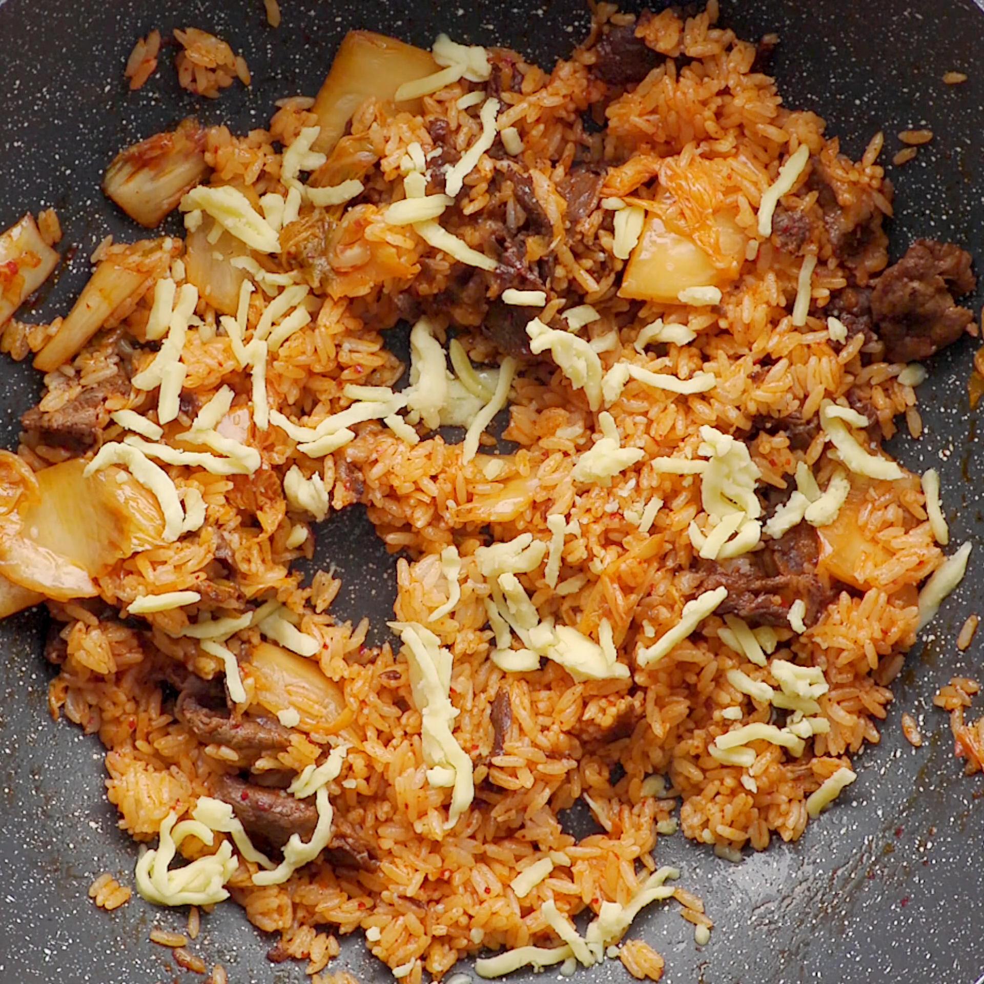 泡菜肥牛炒饭的做法 步骤4