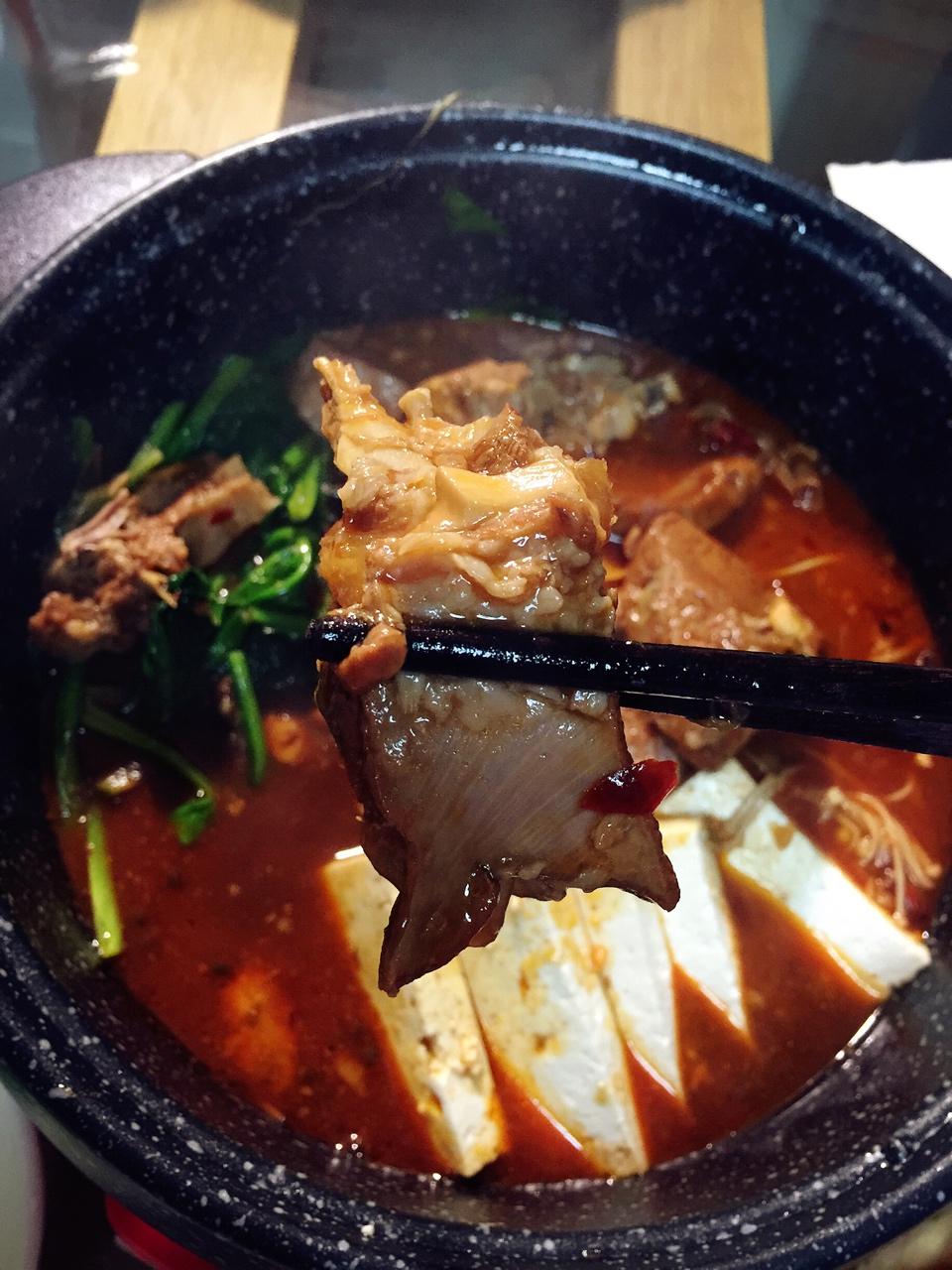 堂妈教你做红汤羊蝎子火锅的做法 步骤32