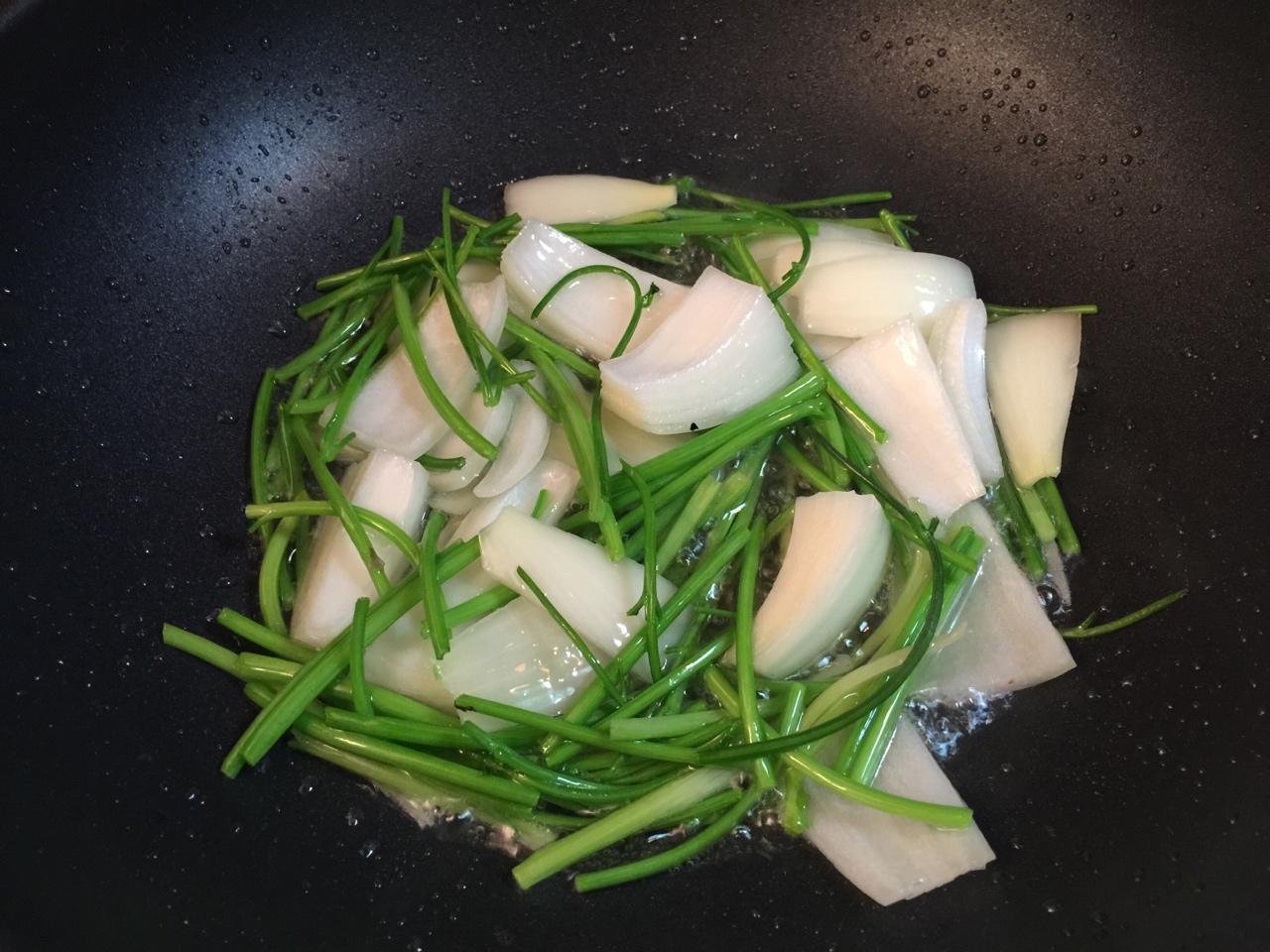 堂妈教你做红汤羊蝎子火锅的做法 步骤8